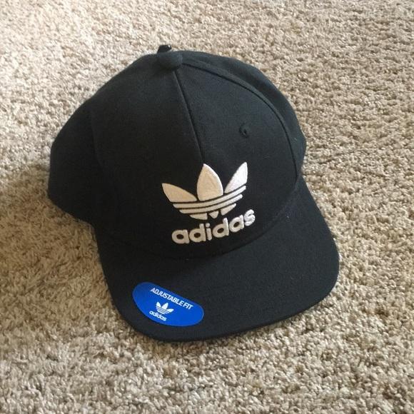 NWT Adidas originals snap back b135cce79f48